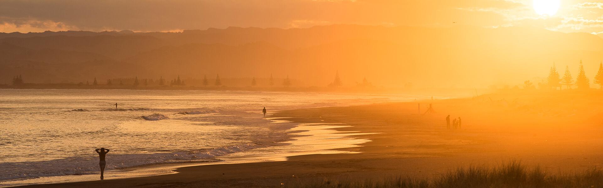 Matawhero-Wines-first-to-greet-the-sun-beach